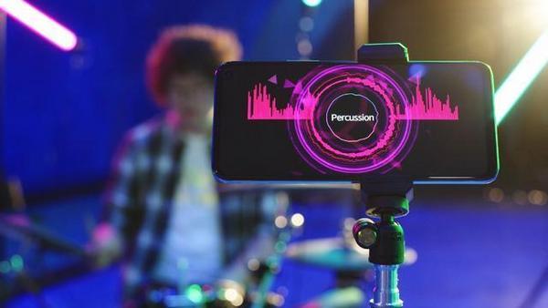 """iQOO Neo3携橘子海乐队带来首支手机参与的""""实验性""""摇滚乐"""