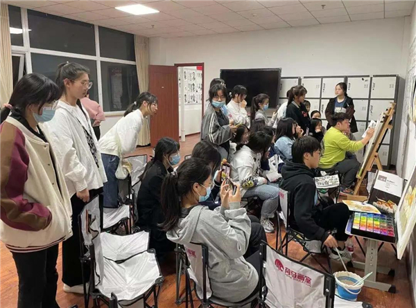 北京画室哪家好,如何挑选美术高考集训画室?