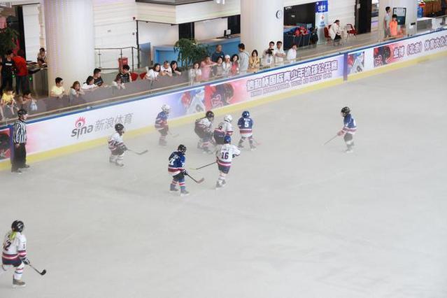 小冰球大梦想 信和杯青少年冰球公开赛引爆魔都