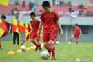 江西发展校园足球 为学校配备设施和场地