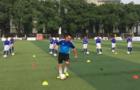 阿迪达斯助教育部推出校园足球基础教学片